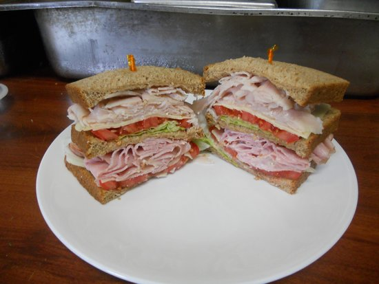 Valle Crucis Bakery & Cafe: Overstuffed sandwiches our double decker