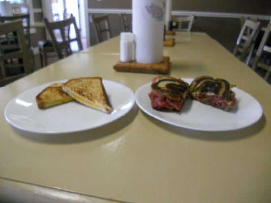 Valle Crucis Bakery & Cafe: Grilled cheese & Rueben