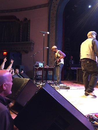 Aladdin Theater: Guitar Badass Vernon Reid laying it down !