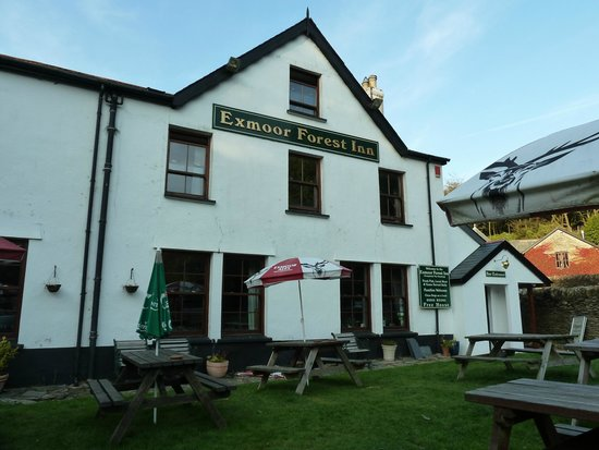 Exmoor Forest Inn: Front of the hotel