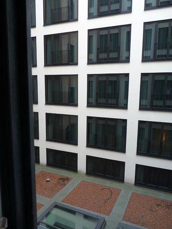 Hotel Angleterre : Blick in den Lichthof/Atrium