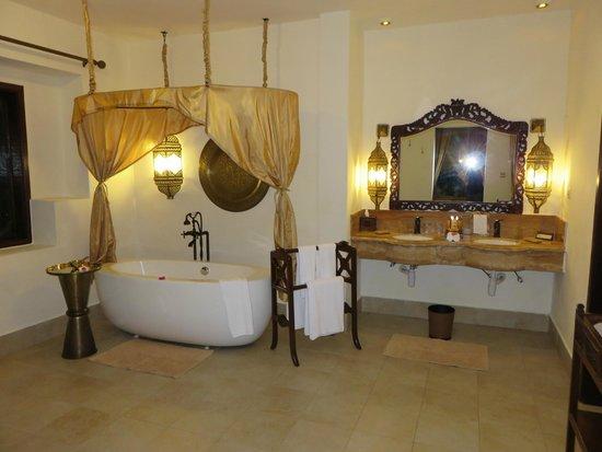 Baraza Resort & Spa : bathroom