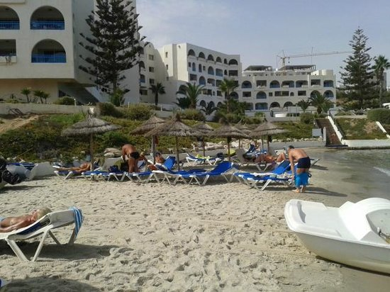 Regency Hotel and Spa : L'Hôtel vu de la plage