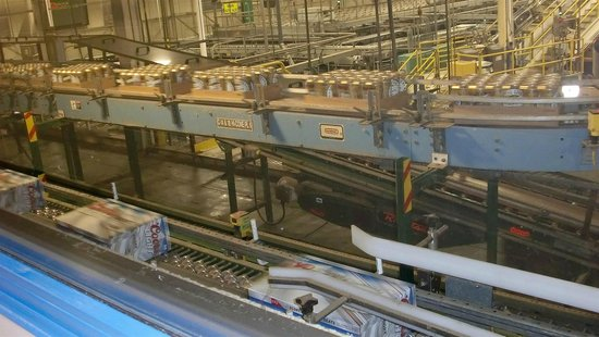 Miller Brewery Tour : On the line