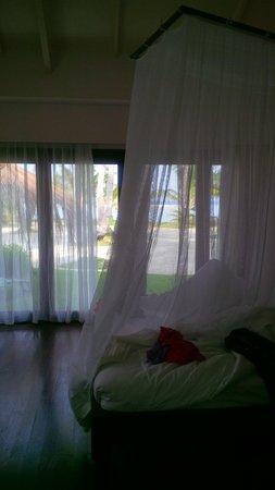 Kura Kura Resort : vista interna della camera