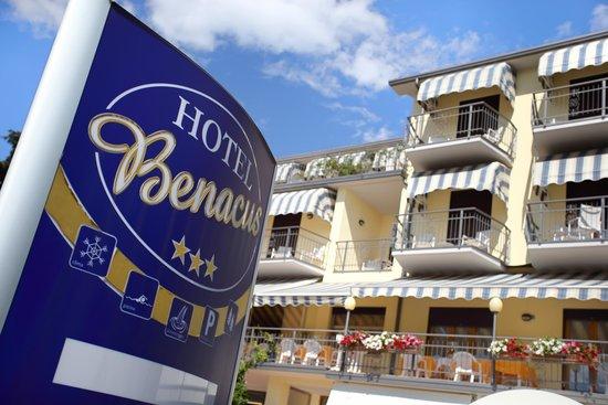Hotel Benacus Malcesine: The exterior facade