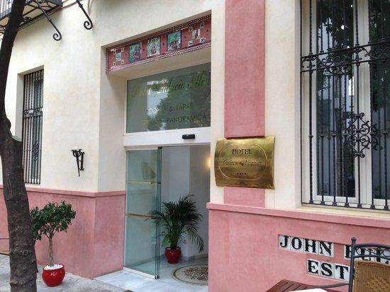 Hotel Palacio Alcazar : Front Entrance