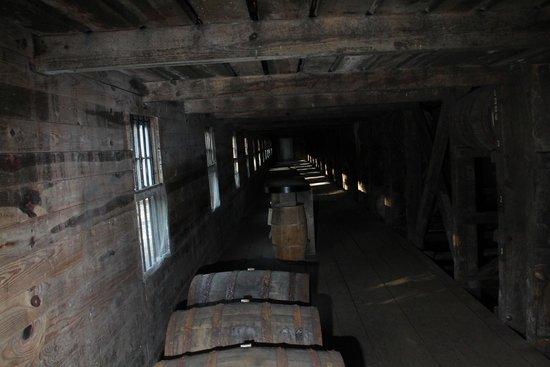 Barton 1792 Distillery : Barrel storage