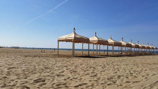 La spiaggia picture of bagno patrizia lido di camaiore tripadvisor - Bagno brunella lido di camaiore ...