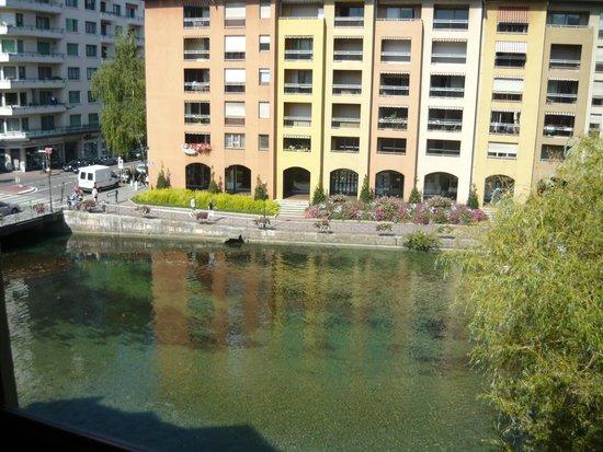 Ibis Annecy Centre Vieille Ville : vu de la chambre