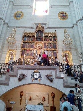 Catedral de Sta Maria la Real de la Almudena: Oração