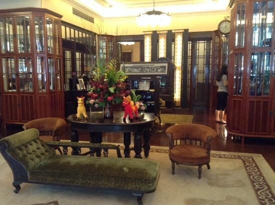 Mansion Hotel: hall d'entrée