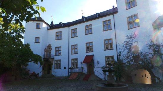Victor's Gourmet Restaurant Schloss Berg: Eingang