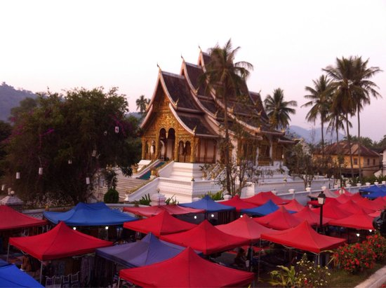 Old Quarter Luang Prabang : A view over the night market