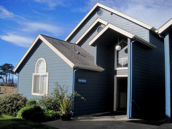 Surf and Sand Lodge: Sea Spray Building