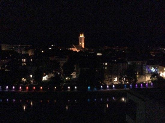 Holiday Inn Villach: View Villach Night