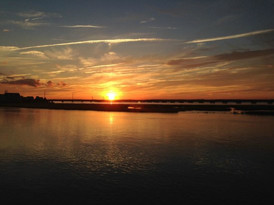 Comfort Suites Chincoteague: The best Sunsets EVER!
