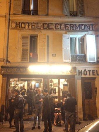 Le Grand Hôtel de Clermont : Authentic french bar under the hotel