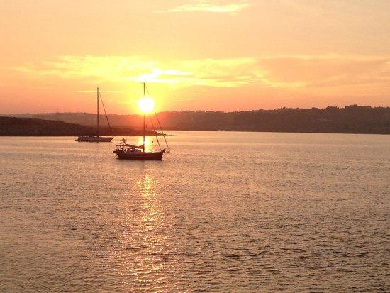 Alvor Boardwalk: Sunset over the river from the boardwalk