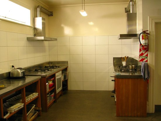 Verandahs Backpackers Lodge: The kitchen