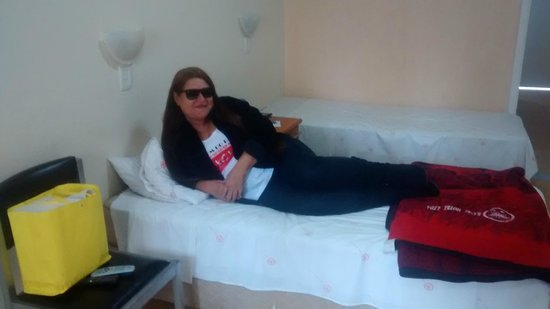Banri Hotel: Cama do Aptº
