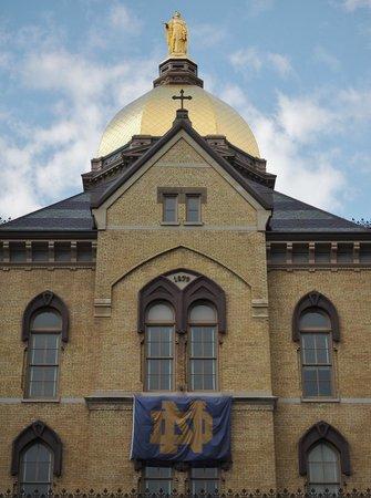 University of Notre Dame: Famous golden dome