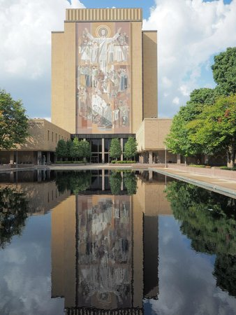 "University of Notre Dame: ""Touchdown Jesus"" mural on the main library"