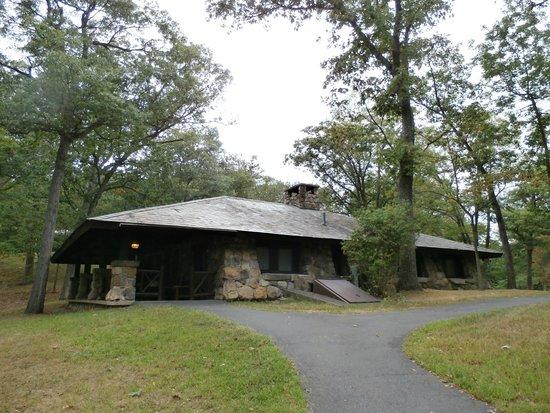 Bear Mountain Inn: Stone Cottage