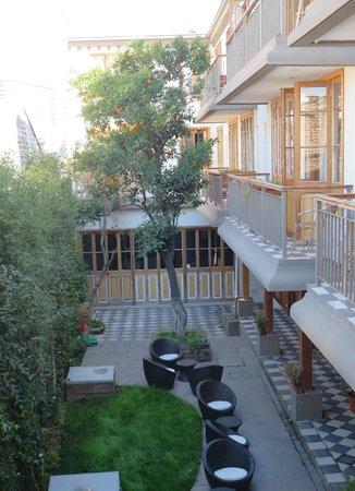 Hotel Loreto: Courtyard