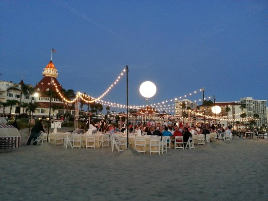 Hotel Del Coronado Business Dinner Function On The Beach