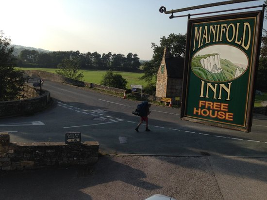 The Manifold Inn: Lovely view from upstairs room over restaurant.