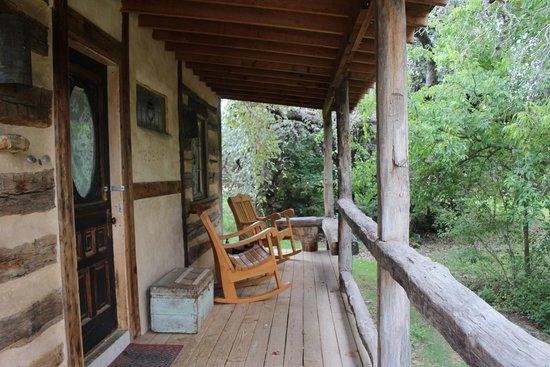 Barons CreekSide: Front porch at Wasserfall