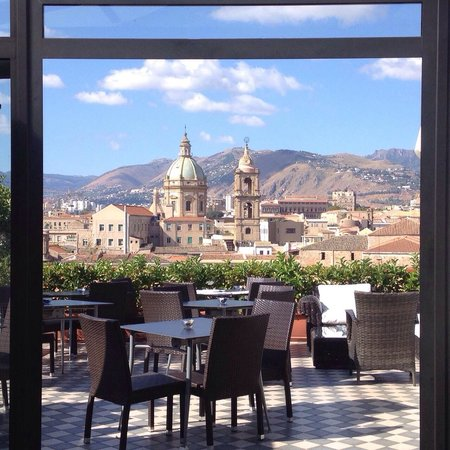 Ambasciatori Hotel: Breakfast with a view