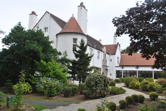 Lochgreen House Hotel : From the parking lot