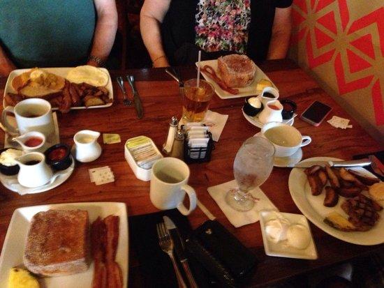Kona Cafe : The Big Kahuna, 2 Tonga toast meals, and Steak and eggs
