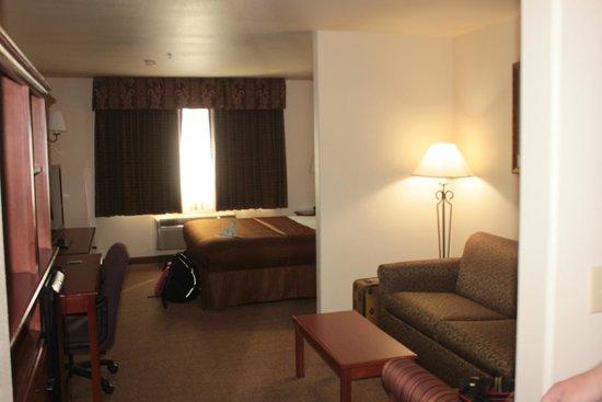 Best Western Plus Territorial Inn & Suites: Our room