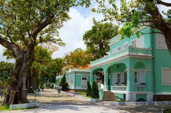 Macau, China: Taipa Houses-Museum – colourful colonial buildings with Macanese architectural characteristics.