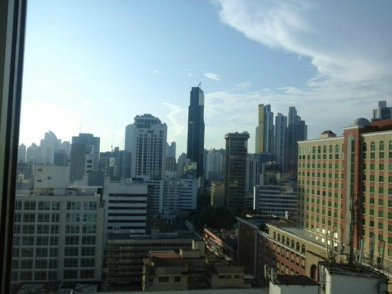 Tryp by Wyndham Panama Centro : View from the rooftop pool area.