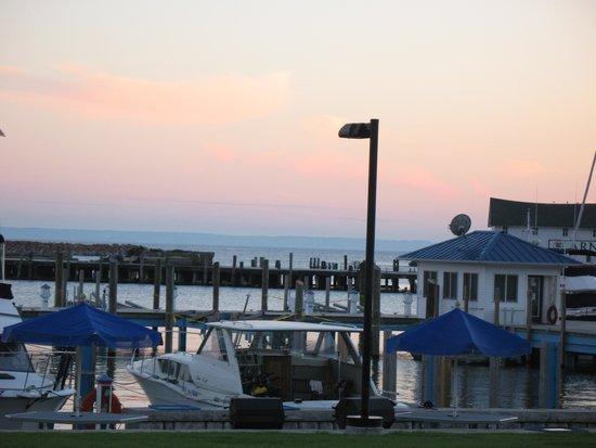 Bay View of Mackinac Bed & Breakfast: Harbor at Mackinac Island