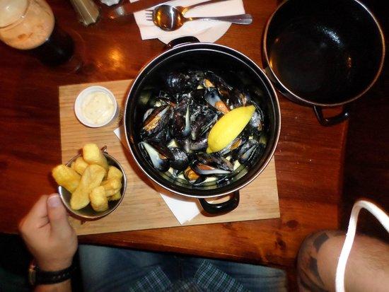 Fitzpatrick's Bar : Mussels