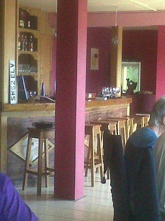 The Islander's Inn : bar/ desayunador/ restaurant