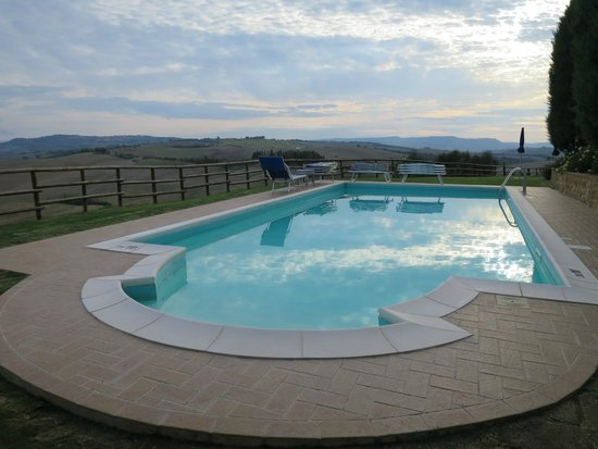Agriturismo Bonello : The beautiful pool with view