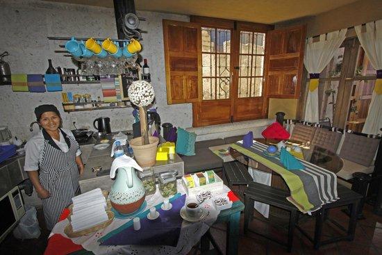 Azul Colonial Inn: CAFETERIA