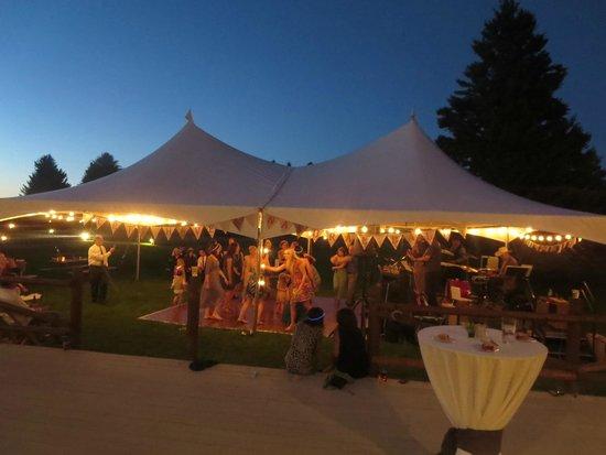 El Western Cabins & Lodges : Conference Center Lawn