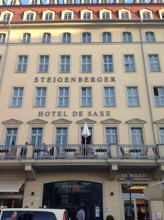 Steigenberger Hotel De Saxe (Front)