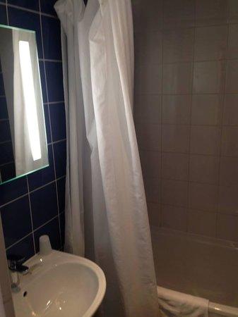 Est Hotel Paris: Salle de bain
