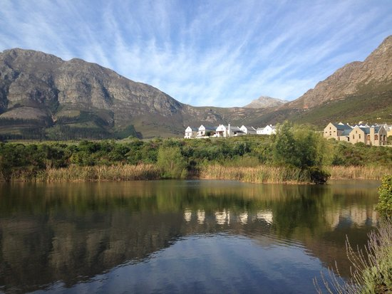 L'Ermitage Franschhoek Chateau & Villas: Gorgeous view from the balcony