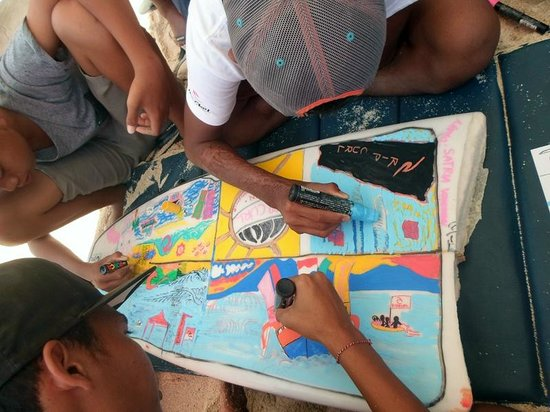 Wave Hunter Stand Up Paddle: Posca Surf Art Challenge at 2014 Rip Curl GromSearch