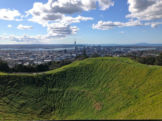 Toru - Day Tours: Mt Eden