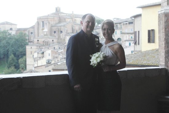 Stella Soldani Siena day tour guide: Mark and Maria's wedding in Siena